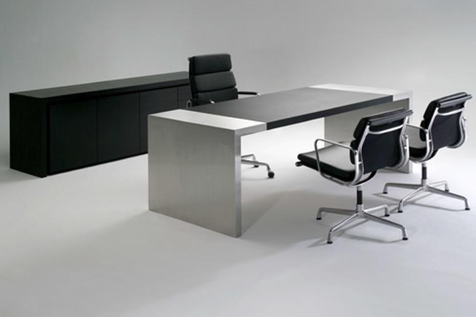 TARIS desk