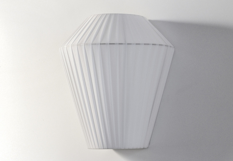 Ruban H 270 wall lamp
