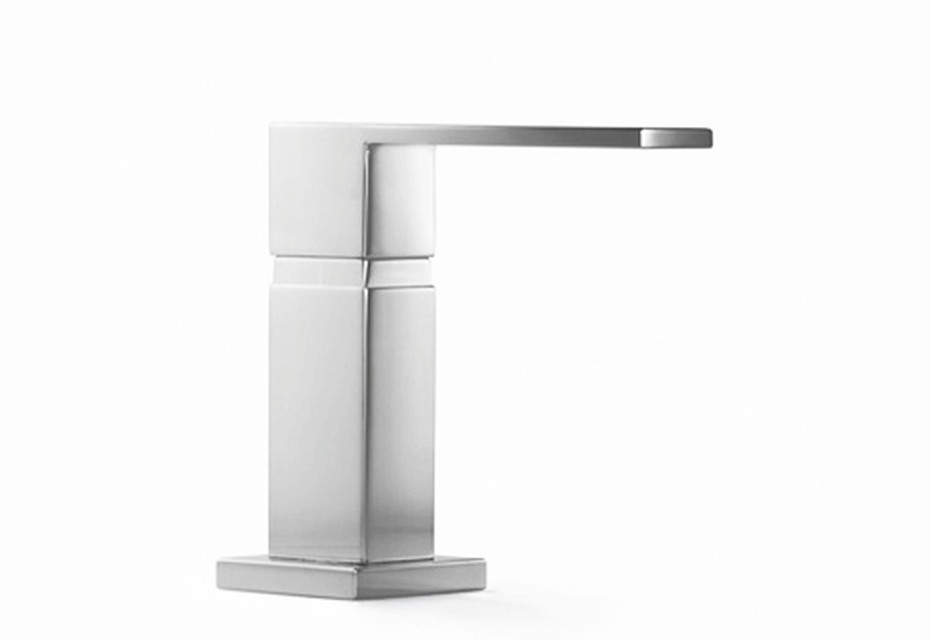 Accessoires Integrated washing-up liquid dispenser with rosette and square base plate
