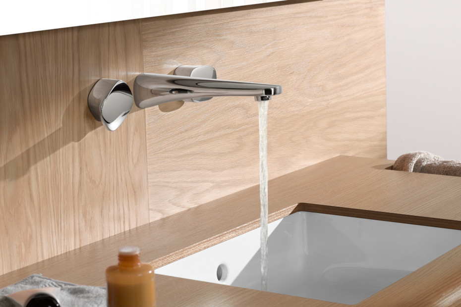 Gentle wall three-hole basin mixer