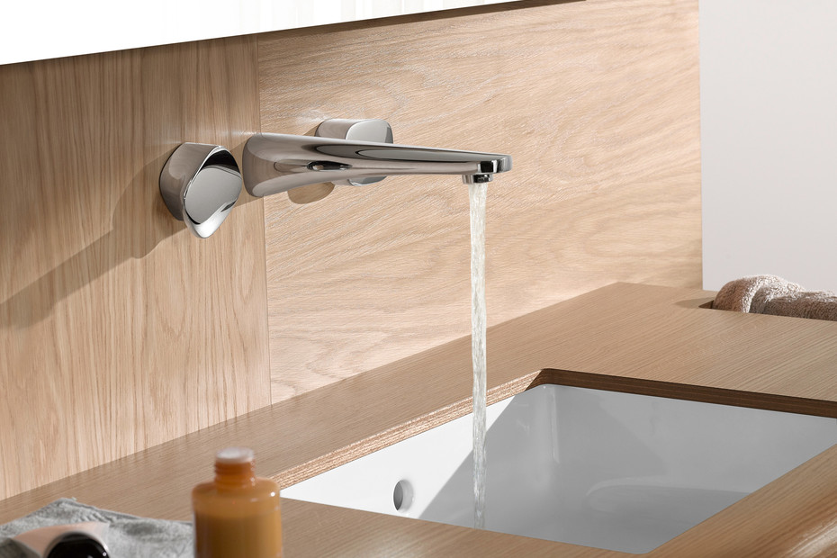 Gentle wall three-hole basin mixer