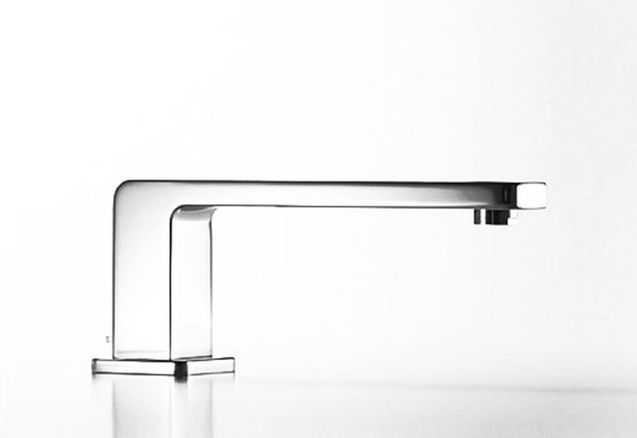 LULU Bath spout with automatic bath/shower diverter