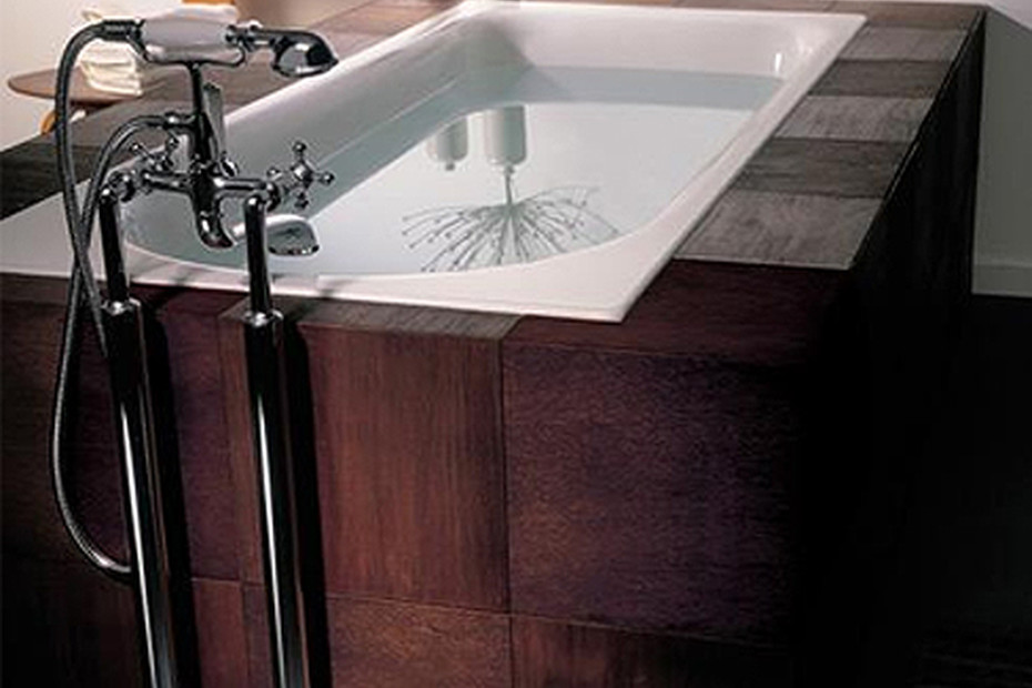 Madison Two-hole bath mixer with stand pipes