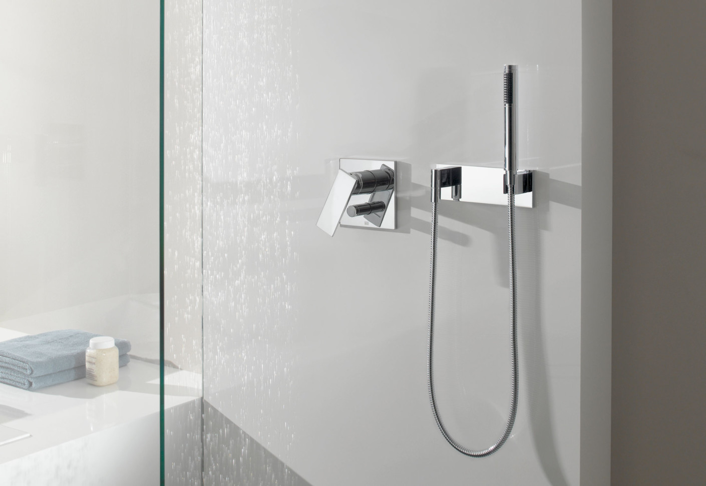 Supernova Complete hand shower set by Dornbracht | STYLEPARK