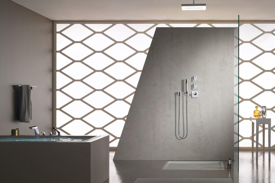 Supernova Deck-mounted bath shower set
