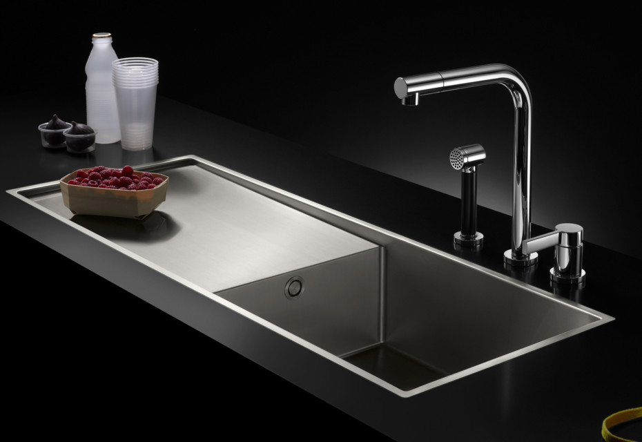 Water Unit single-basin with drip-dry surface
