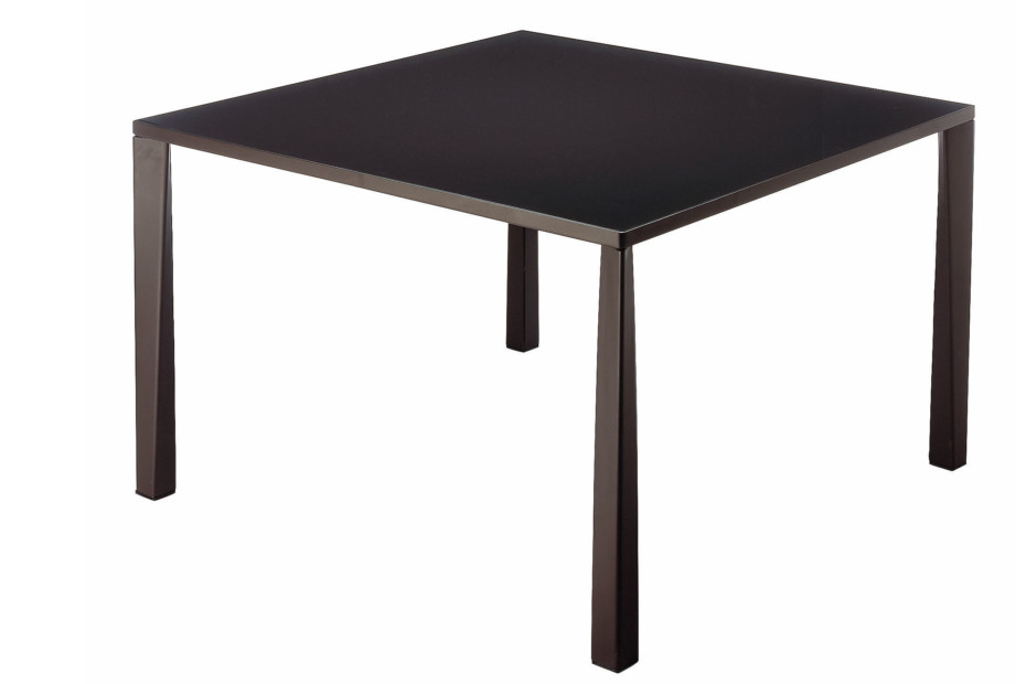 TETRA TABLE