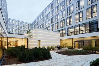 DuPont™ Corian® Fassadenpaneele ICADE Premier Haus  von  DuPont™ Corian®