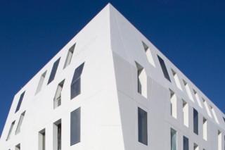 DuPont™ Corian® Seeko'o Hotel, Bordeaux  by  DuPont™ Corian®