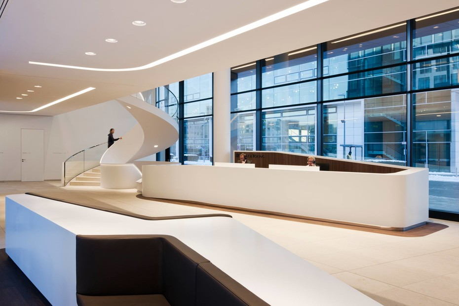 DuPont™ Corian® Wandpaneele ICADE Premier Haus, München