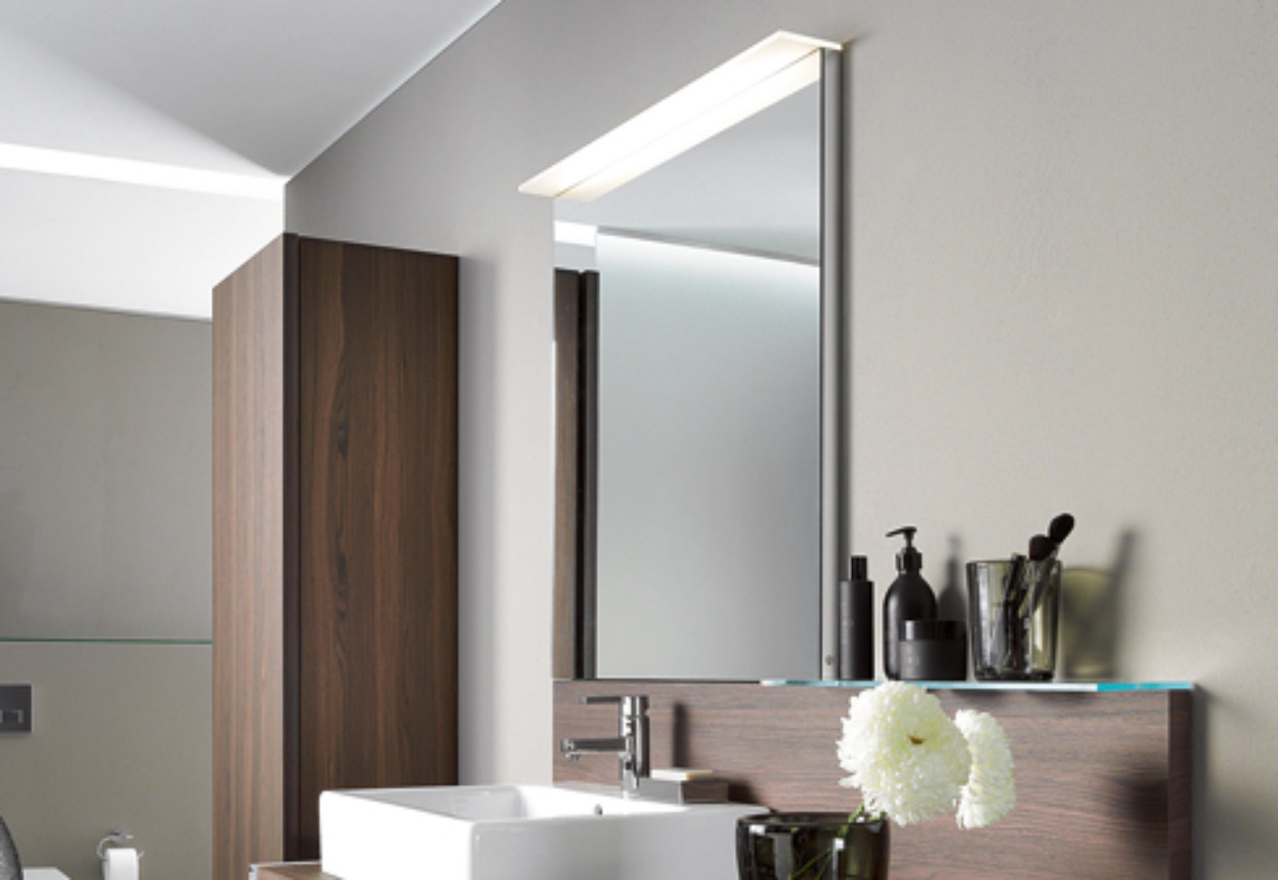 Bathroom Mirror Wall