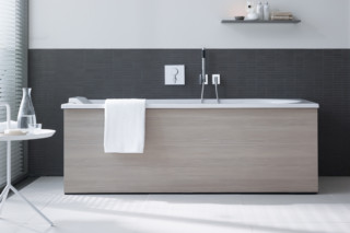 Everybody's darling bath tub square  by  Duravit