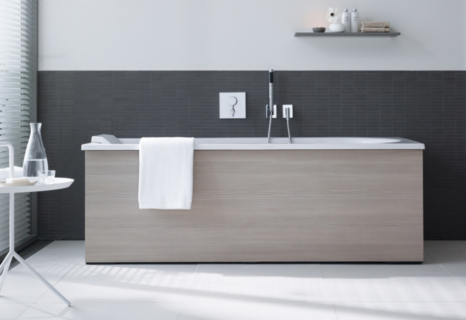 Everybody\'s darling bath tub square by Duravit | STYLEPARK