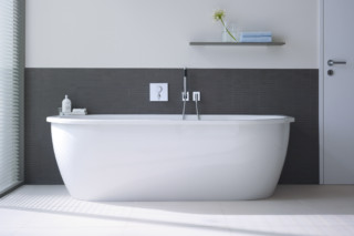 Everybody's darling bath tub  by  Duravit