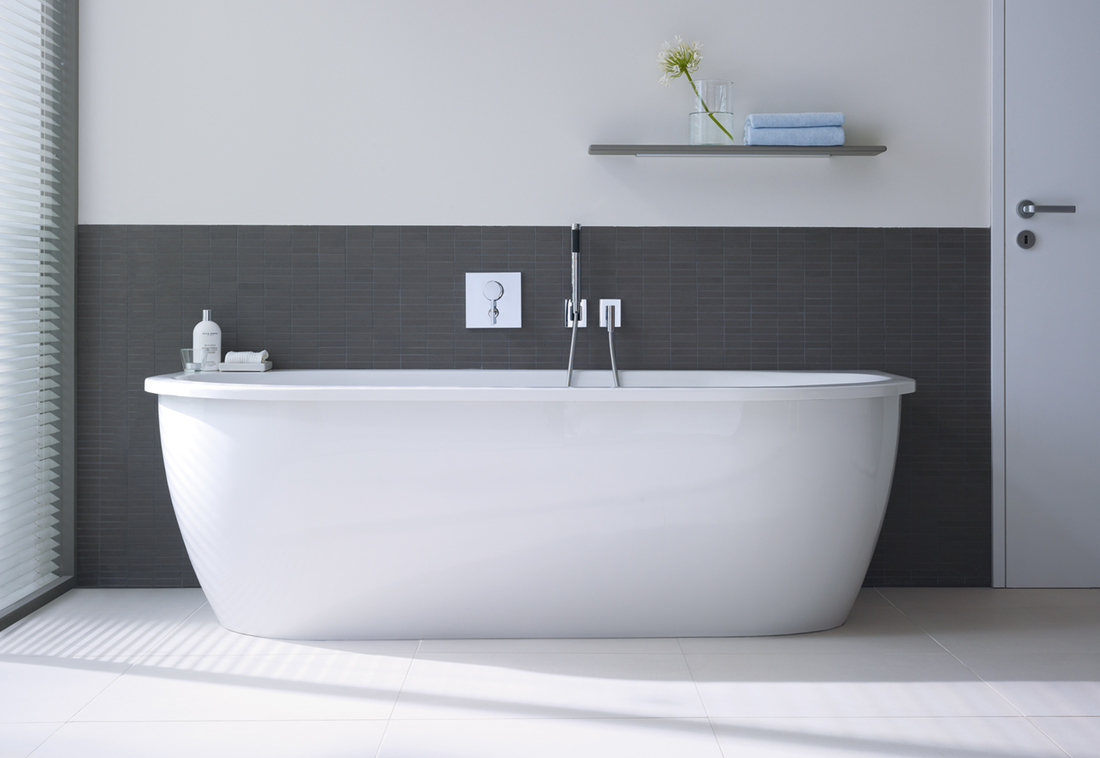 Everybody s darling bath tub by duravit stylepark for Chiesa arredo bagno bergamo