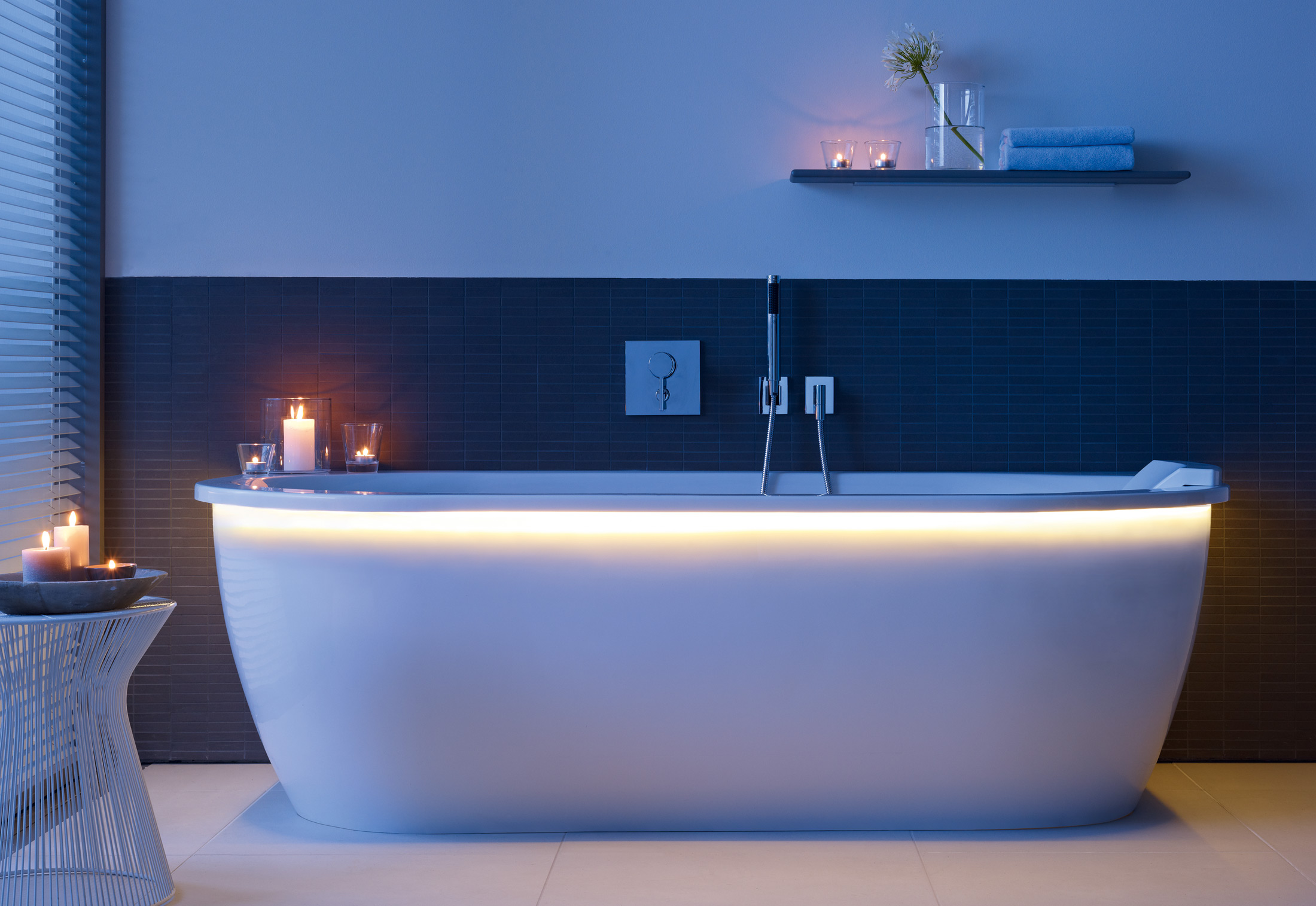 Everybody\'s darling bath tub by Duravit | STYLEPARK