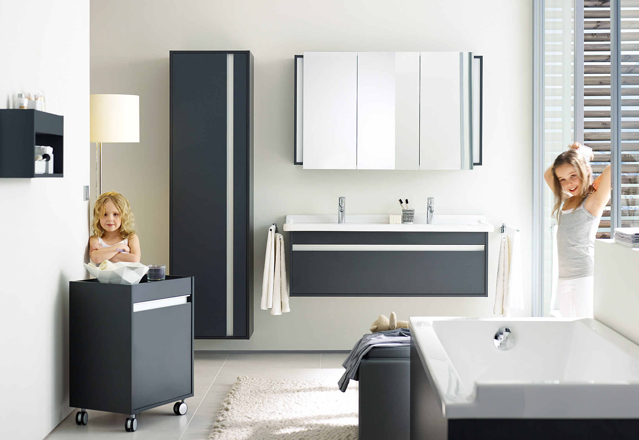 Ketho bath shelf by Duravit | STYLEPARK