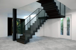 Satin black staircase  by  EeStairs