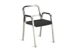 Nine-0™ OA Stuhl mit Armlehnen  von  Emeco