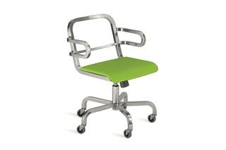 Nine-0™ OA Swivel armchair  by  Emeco