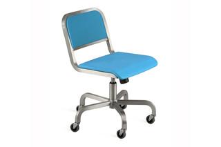 Nine-0™ S Swivel chair  by  Emeco