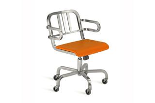 Nine-0™ Swivel armchair  by  Emeco