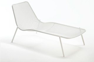 Round Lounger  by  Emu