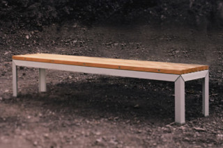 Extempore benches  by  Extremis