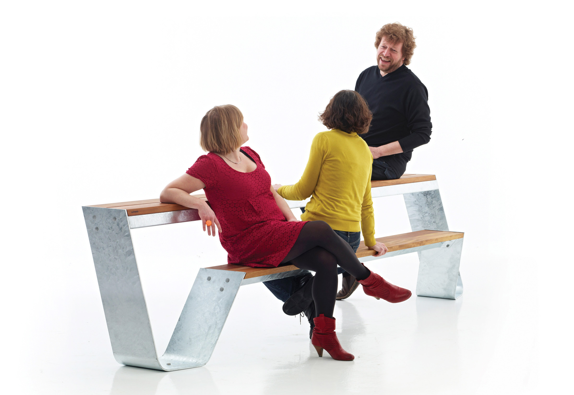 Hopper Bench By Extremis Stylepark