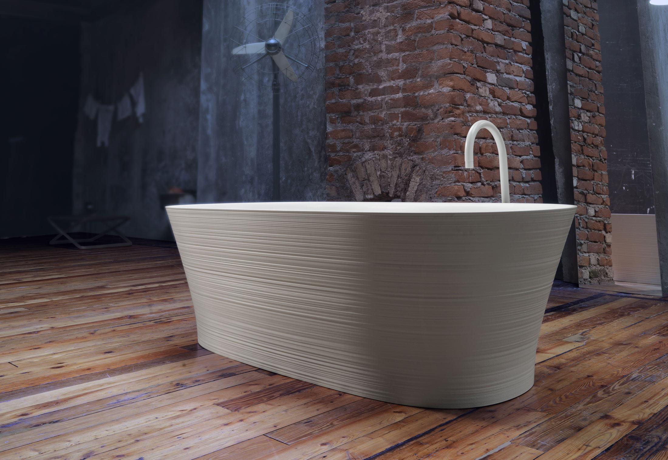 Handmade bath tube by Falper | STYLEPARK