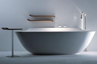Scoop bath small table  by  Falper