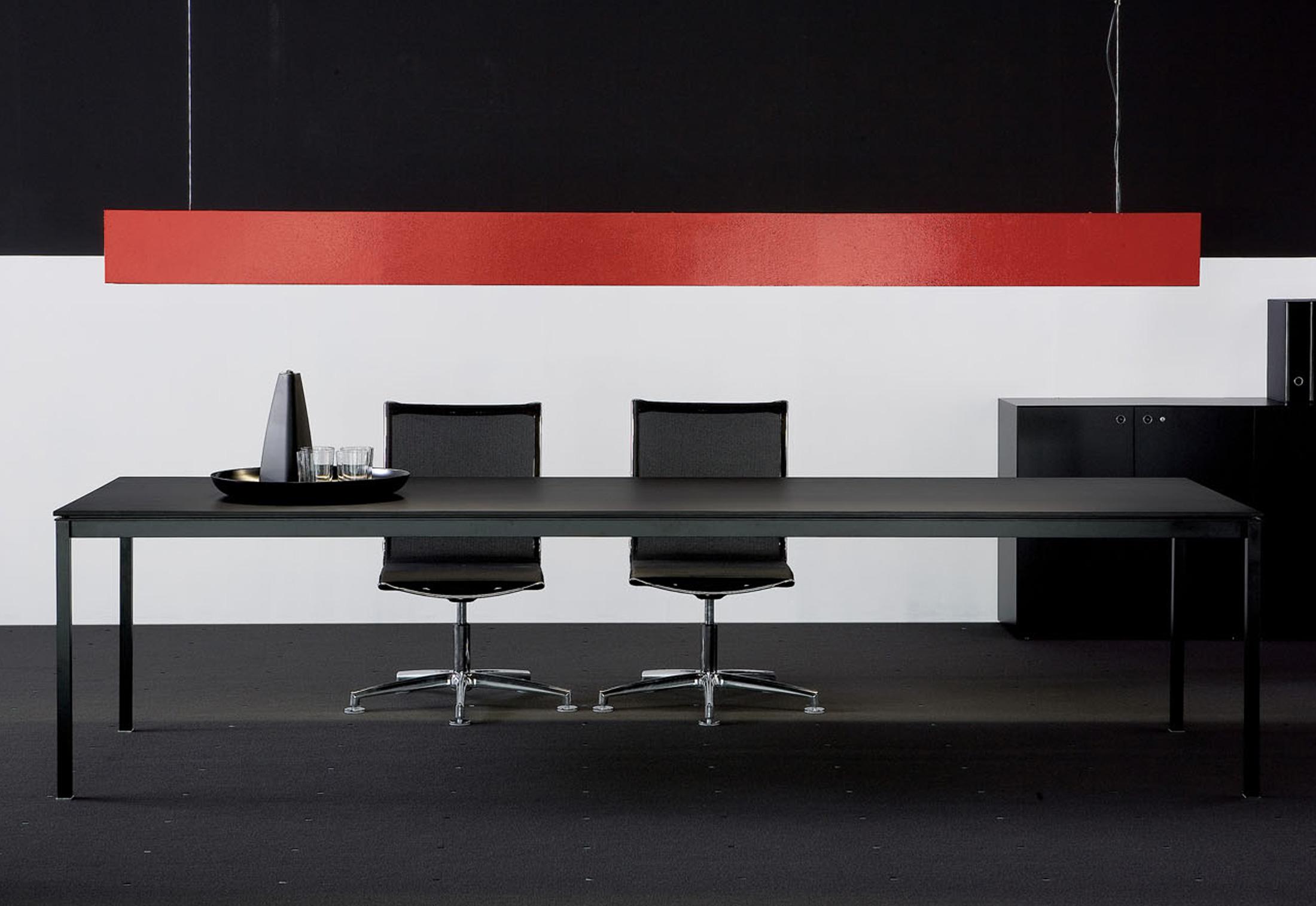 bianconero schreibtisch von fantoni stylepark. Black Bedroom Furniture Sets. Home Design Ideas