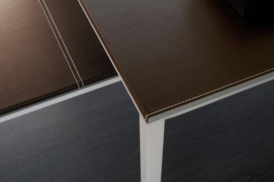Corium desk
