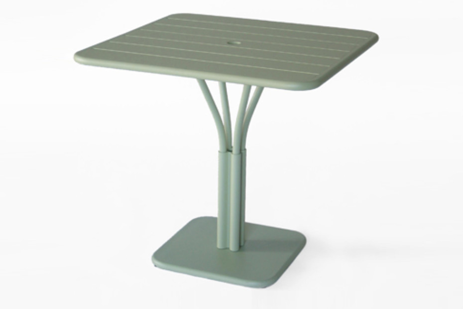 Luxembourg collapside table