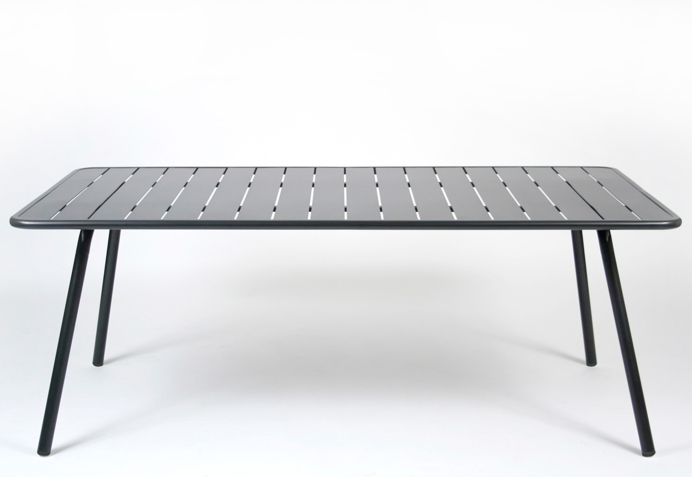 Luxembourg table large by fermob stylepark for Fermob luxembourg table