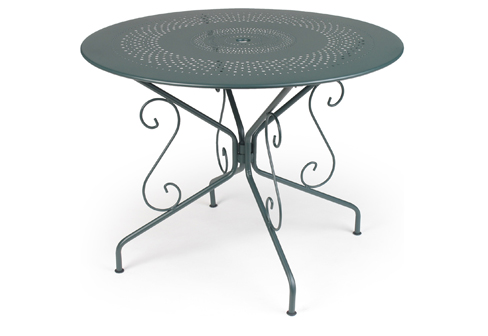 Montmartre round table