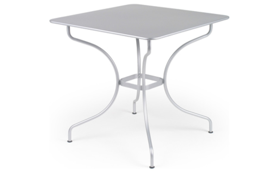 Opera square table