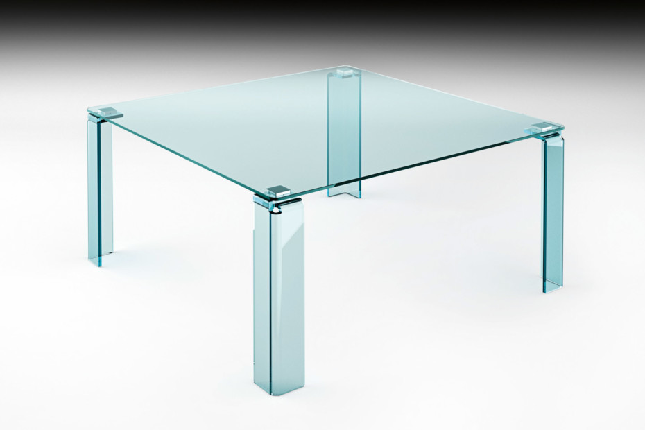 Newton dining table