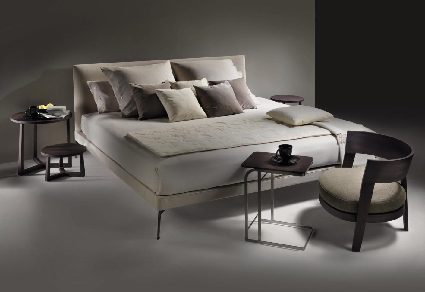 feel good bed by flexform stylepark. Black Bedroom Furniture Sets. Home Design Ideas