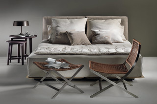 Grandemare bed  by  Flexform