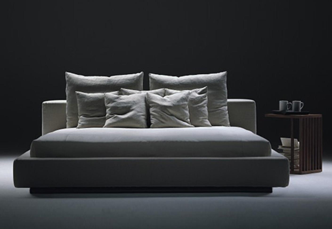 Groundpiece bed by flexform stylepark for Flexform groundpiece