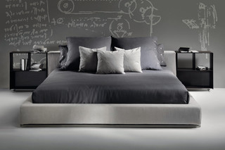 Groundpiece Slim bed  by  Flexform