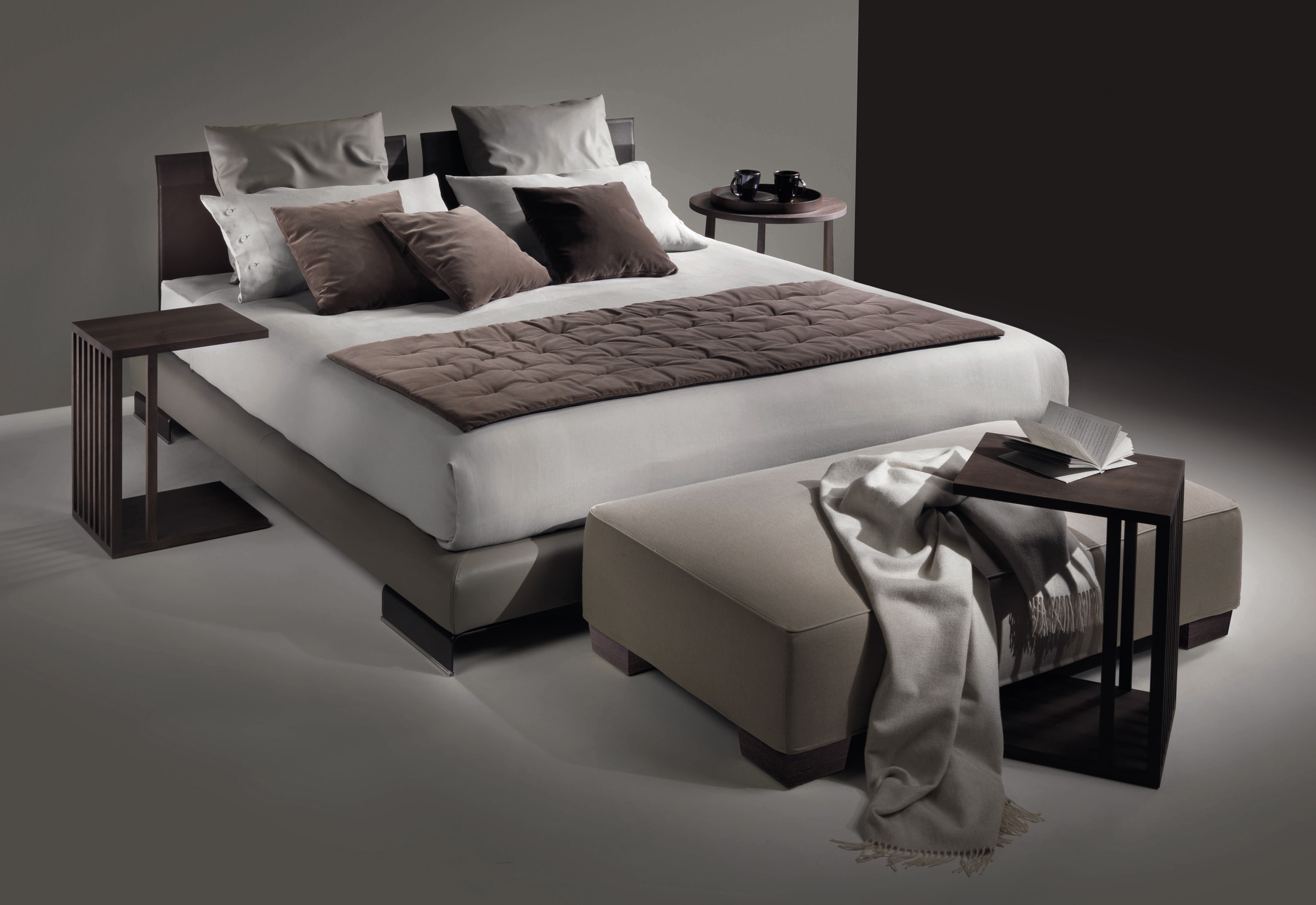 Long island Bed by Flexform | STYLEPARK