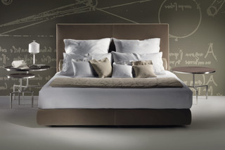 Oltre bed  by  Flexform