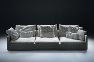 Resort Sofa  by  Flexform