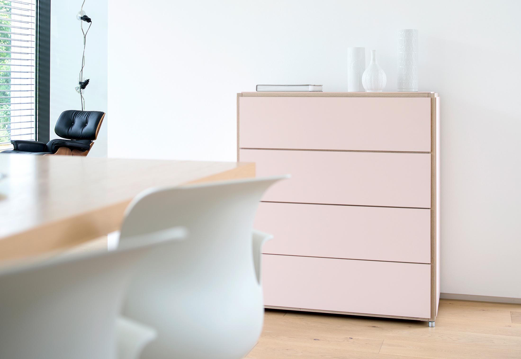 hohe kommode trendy full size of badezimmer tief voice arctic kommode cm breit mit schubladen. Black Bedroom Furniture Sets. Home Design Ideas