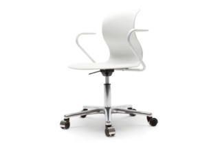PRO swivel chair with armrests  by  Flötotto