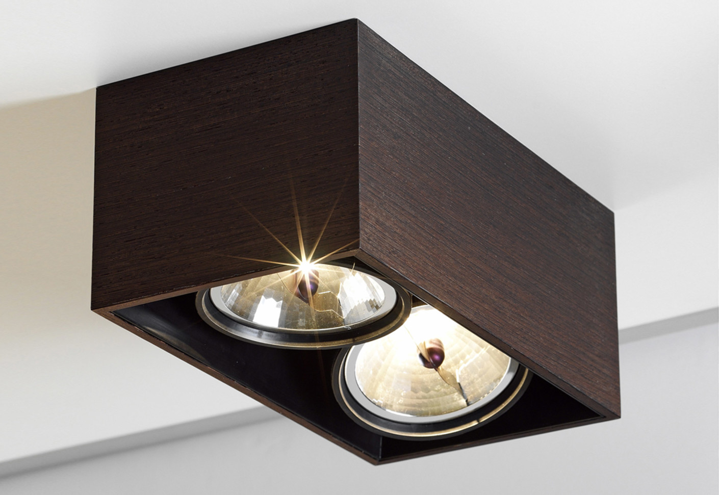 compass box surface mounted lamp by flos architectural stylepark. Black Bedroom Furniture Sets. Home Design Ideas