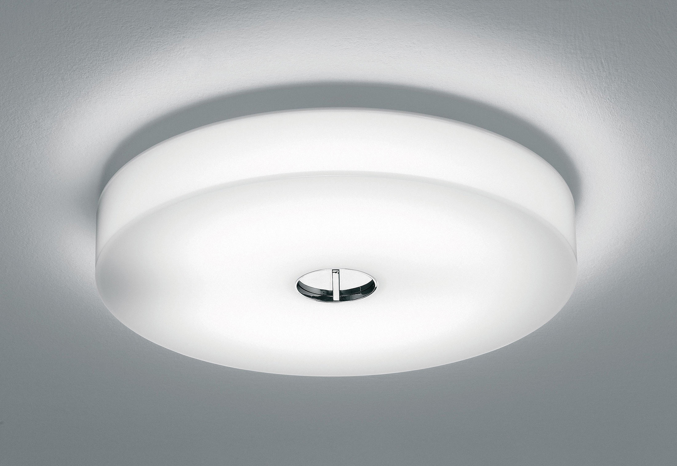 button wall ceiling light by flos stylepark. Black Bedroom Furniture Sets. Home Design Ideas
