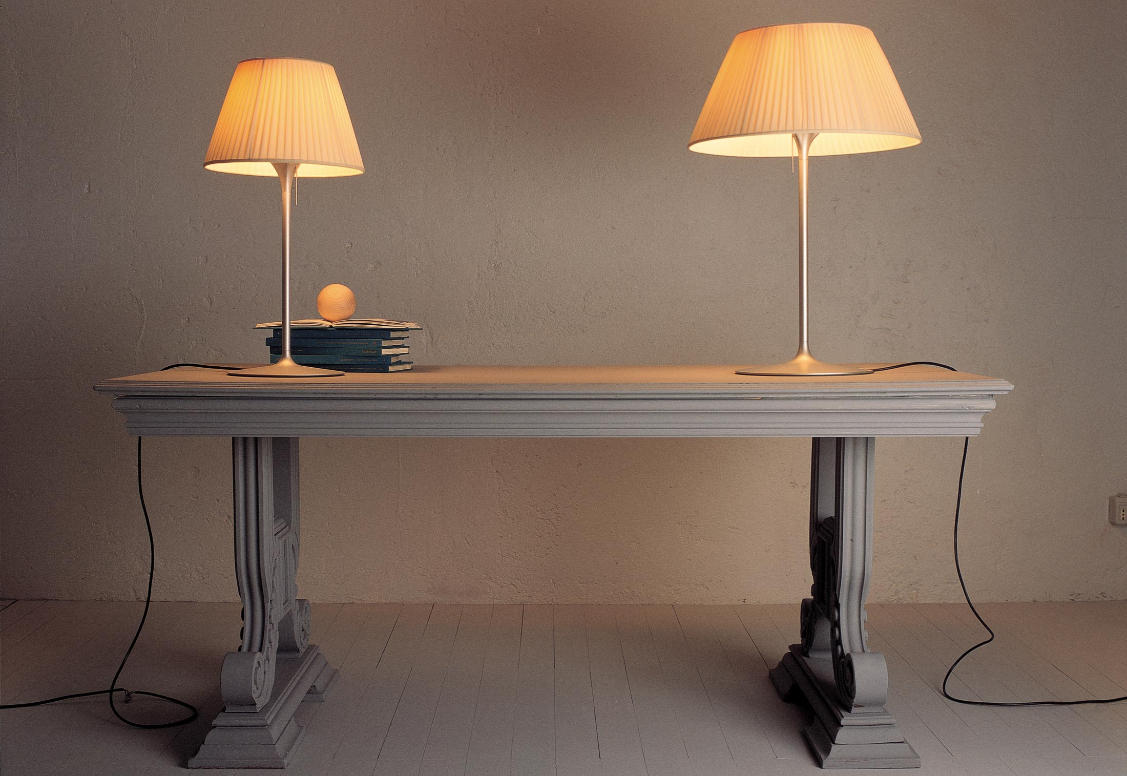 Romeo Soft T1 T2 Table Lamp By Flos Stylepark